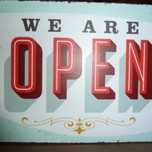 """Fotografía Placa vintage """"we are open"""""""
