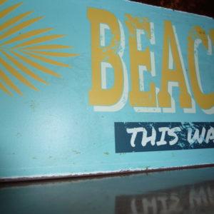 Fotografía P1030677 Placa Vintage Beach this way