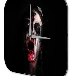reloj terror enfermera