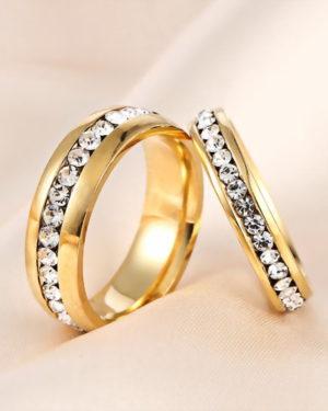 anillo color oro con diamantes original