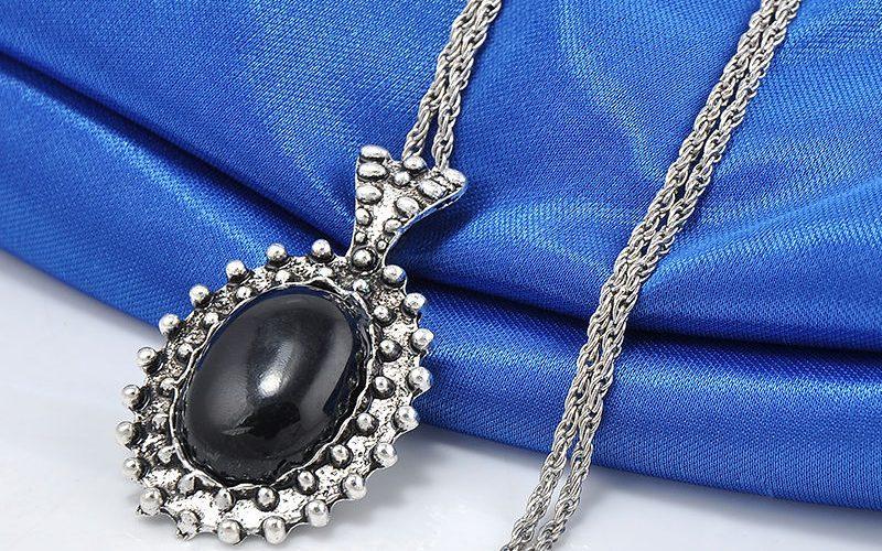 Colgante perla negra cadena larga